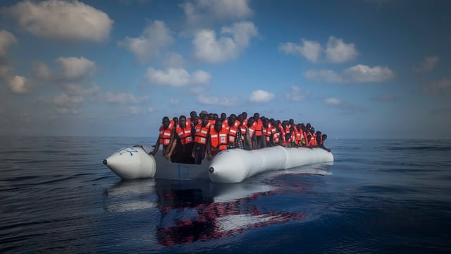 Viele Flüchtlinge aus Afrika versuchen über Lybien in Booten nach Europa zu gelangen.