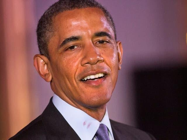 US-Präsident Barack Obama trägt einen Lippenstift-Abdruck am Hemd