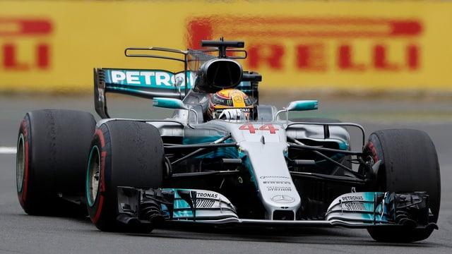 Victoria a chasa per Lewis Hamilton.