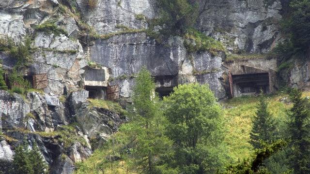 Fortezza militara sin il Pass dal Malöja.