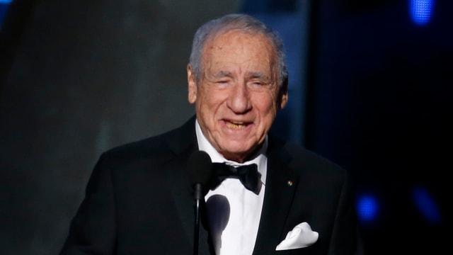 Brooks auf der Bühne bei der Emmy-Verleihung im September 2015.