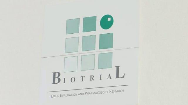 Biotral-Firmenschild