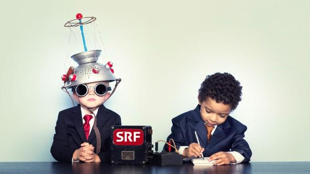 Zwei Kinder hören Radio SRF