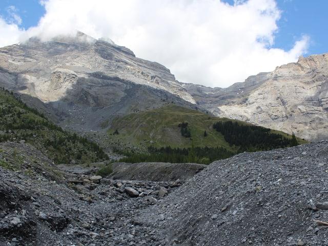 Blick auf instabile Felsmassen