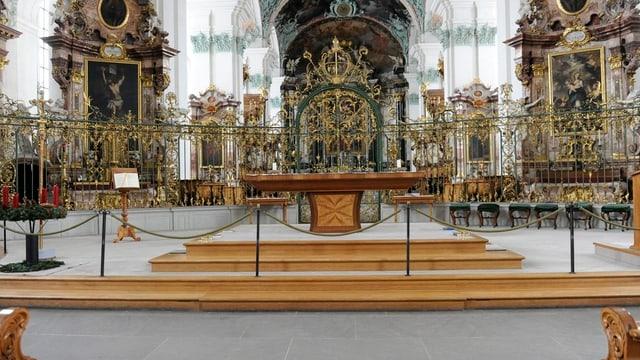 Der bestehende Altarraum der Kathedrale St. Gallen.