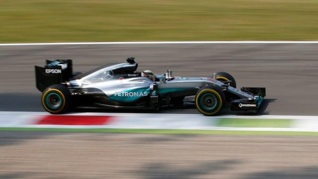 Weltmeister Lewis Hamilton auf der Strecke in Monza.