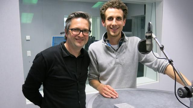 Der Zauberer und der Moderator: Im Bild sind Lionel Dellberg (rechts) und Michael Sahli