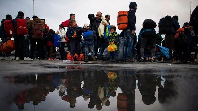 Ein Strom von Flüchtlingen