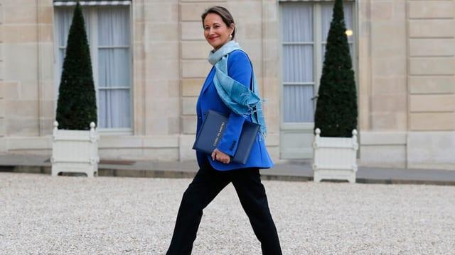 Ségolène Royal geht in den Élysée-Palast.