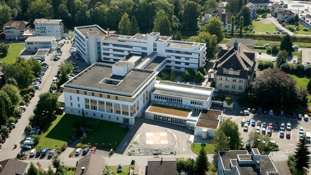 Das Spital Lachen aus der Luft.