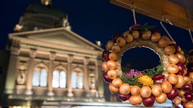 Zwiebeln vor dem Bundeshaus.