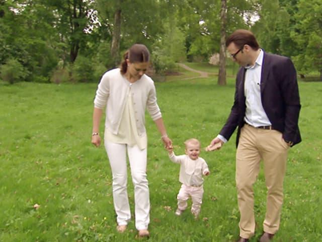 Kronprinzessin Victoria und Daniel und Prinzessin Estelle