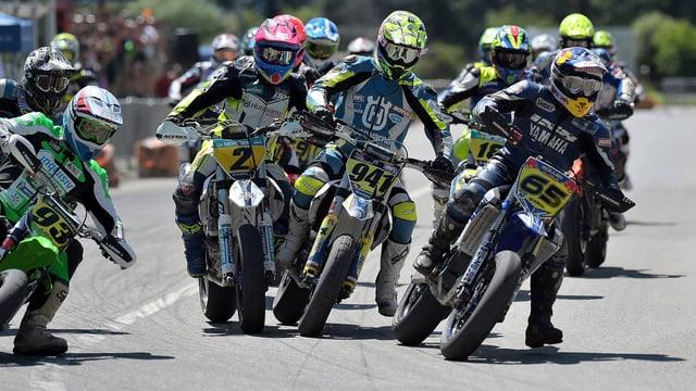 Motociclists a Cazas.