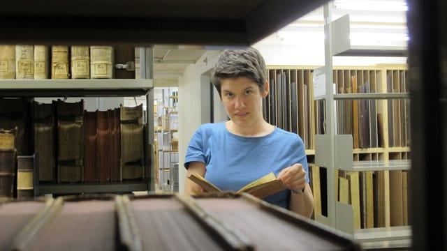 Rezia Krauer im Archiv der Vadianischen Sammlung