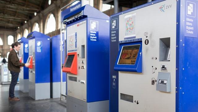 Automats da bigliets per il traffic public.