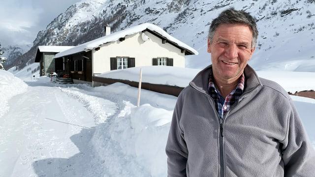 Kurt Patzen, der Gemeindepräsident von Avers, lebt und arbeitet auf seinem Hof in Madris.