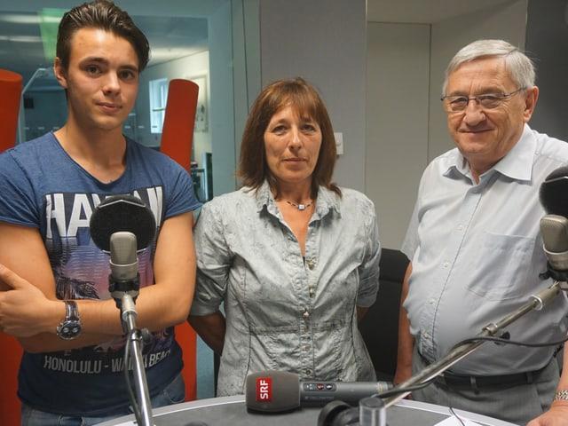 Cyrill Gurtner, Karolin Wirthner und Bernhard Stähelin im Radiostudio Bern.