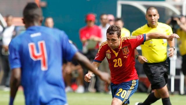 Santi Cazorla erzielte in der 8. Minute das 1:0 für Spanien.