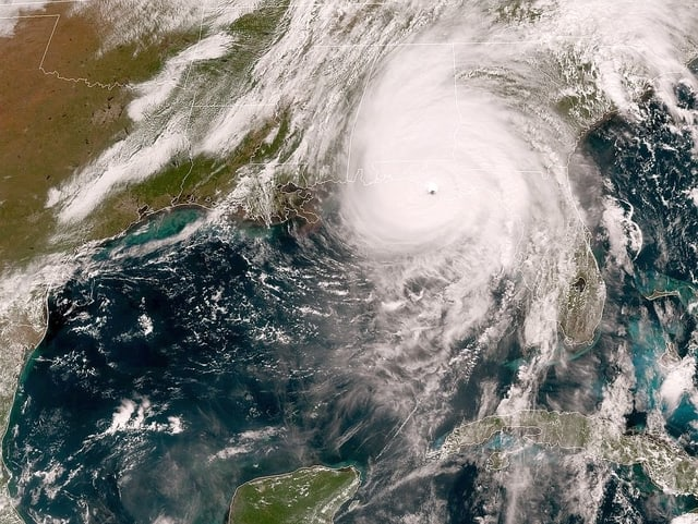 Die Wolkenspiral des Hurrikan Michael