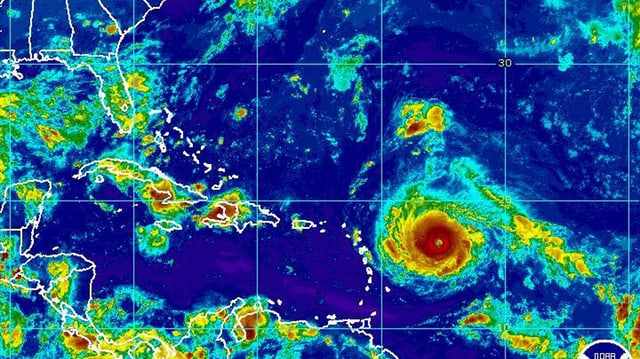 Maletg da satellit cun Irma il hurrican che s'avischina a la Caribica