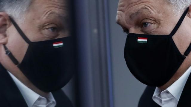 Orban mit Maske.