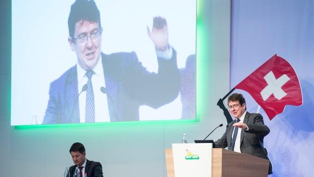 Albert Rösti, il president da la PPS durant ses pled a la radunanza da delegads a Frauenfeld.