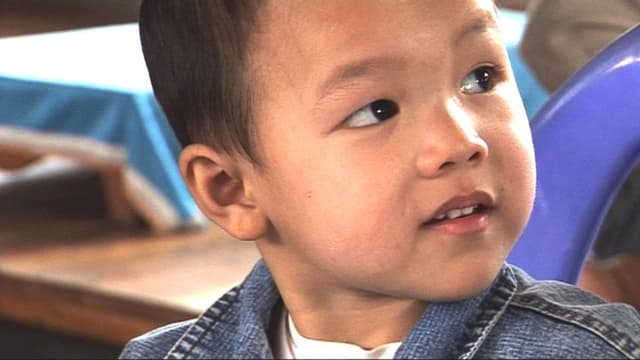 Video «Nghia soll leben wie alle Kinder» abspielen