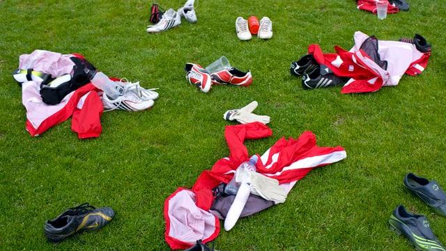 Das Fussball-Training kann wieder auf den Rasen verlegt werden