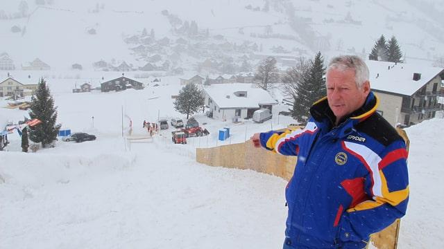 Hornschlitten-Präsident Hans Alpiger am Zielhang.