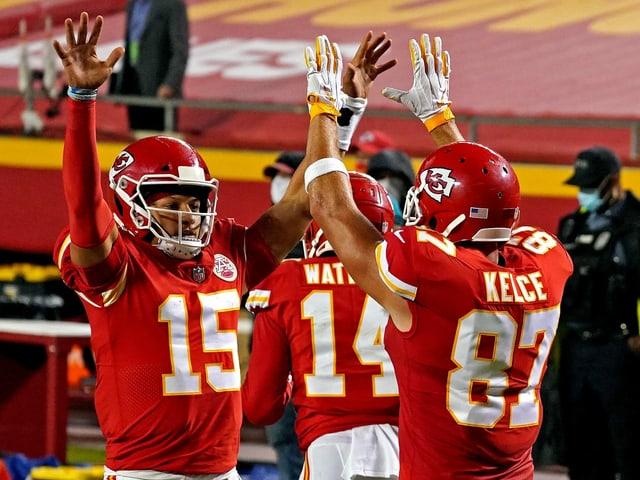 Quarterback Patrick Mahomes und Tight End Travis Kelce von den Kansas City Chiefs.
