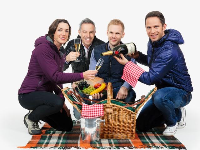 Joëlle Beeler, Dani Fohrler, Stefan Siegenthaler und Adrian Küpfer beim Brunchen.