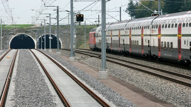 Schnellzug zwischen Zürich und Bern