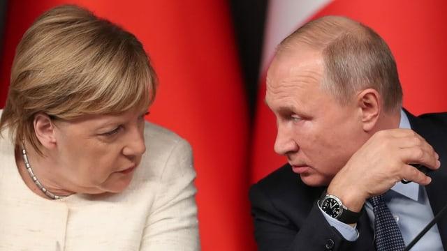 Merkel und Putin bei einem Syrien-Gipfel in Istanbul.