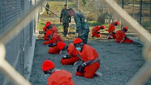 Gefangene in Guantanamo im Januar 2002.