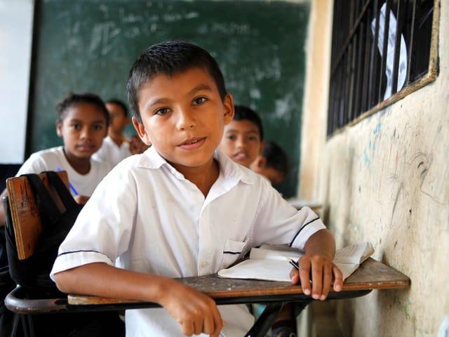 Der 11jährige Dibier musste aufgrund des internen Konflikts in Kolumbien mit seiner Familie flüchten.