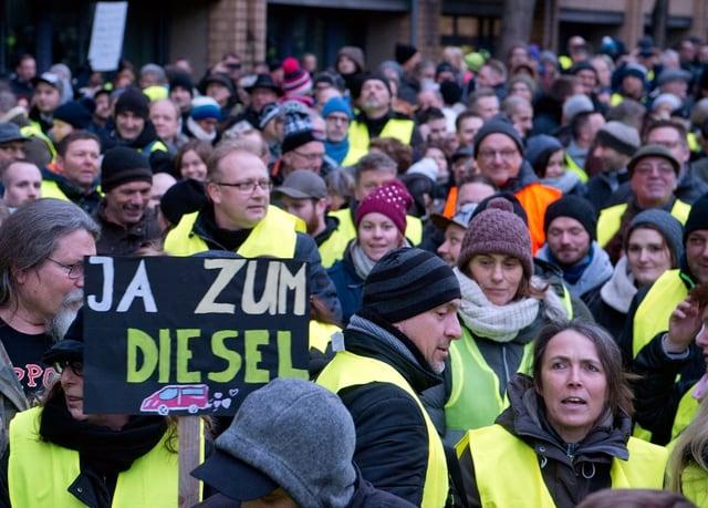 Gelbwesten-Protest in Stuttgart