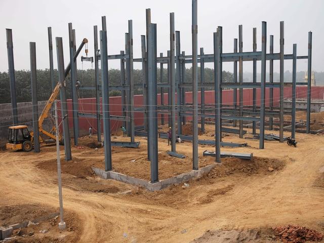 Baustelle mit Stahlträgern