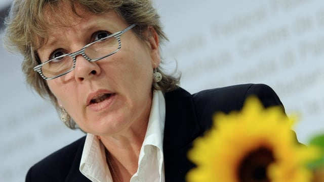 Brigit Wyss im Portrait an einer Wahlkampfveranstaltung der GPS.