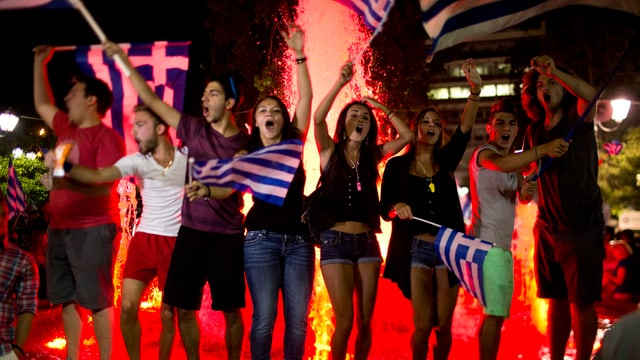 Giuvens grecs festiveschan.