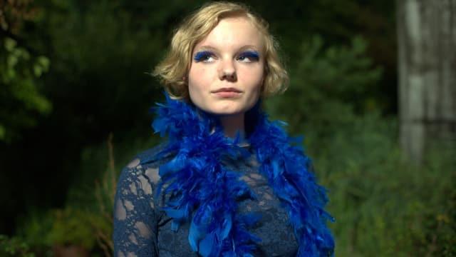 Portrait von Wanda, der Hauptfigur in «Draussen ist Sommer», gespielt von Maria Darius.