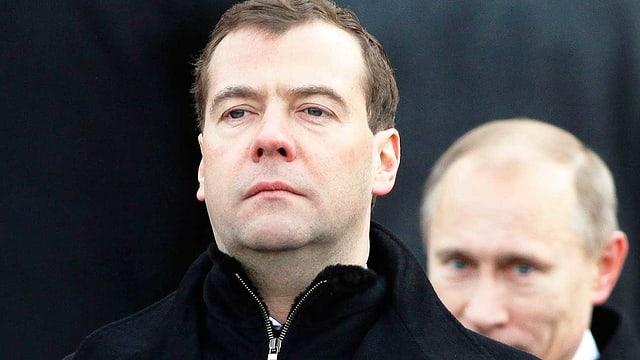 Putin steht hinter Medwedew