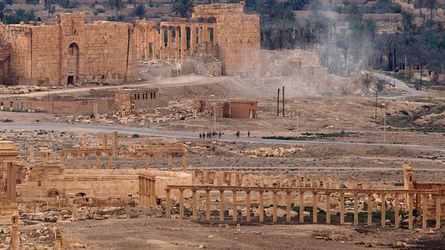 Rauch über der Stadt Palmyra