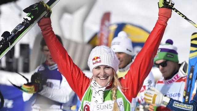 La victura da la cuppa mundiala da skicross, Fanny Smith, vi dal giubilar.