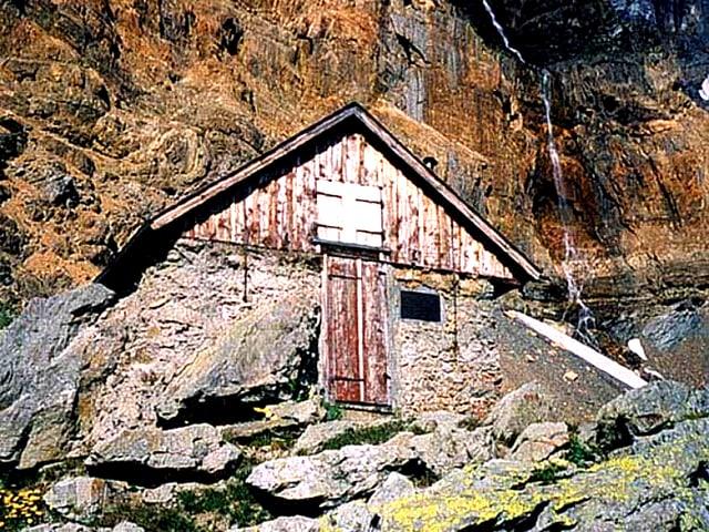 Die SAC-Unterkunft Grünhornhütte.