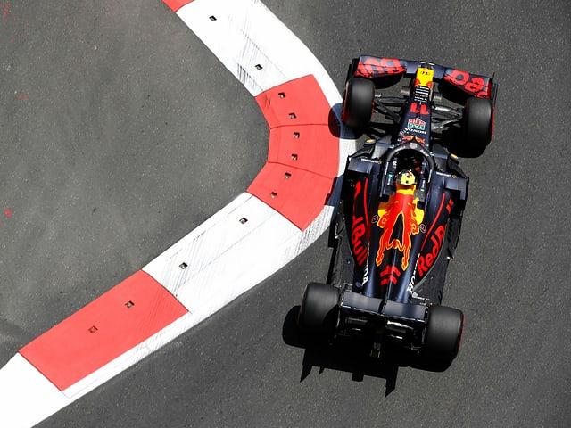 Das Red-Bull-Team (hier mit Sergio Perez).