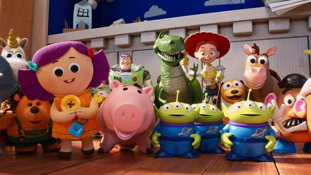 Allerlei animierte Spielzeug-Figuren und Tiere