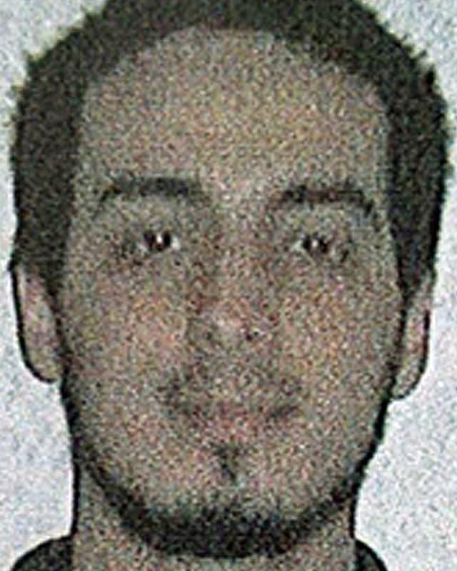 Auf dem Fahndungsfoto ist der Terrorverdächtige Najim Laachraoui zu sehen.