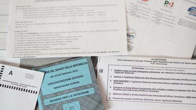 Italienische Wahlunterlagen