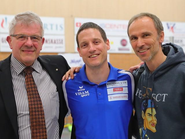 Timo Lippuner zwischen Werner Schmid und Andreas Vollmer