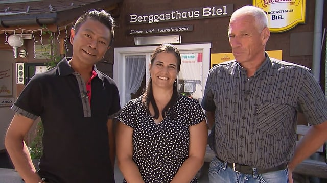 Video «Berghütten Spezial – Tag 4 – Berggasthaus Biel, Bürglen» abspielen